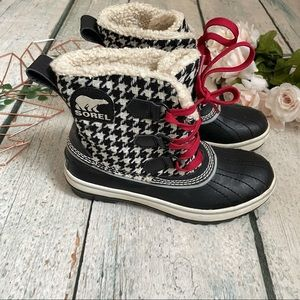 Sorel 6 ankle winter boots houndstooth lined black